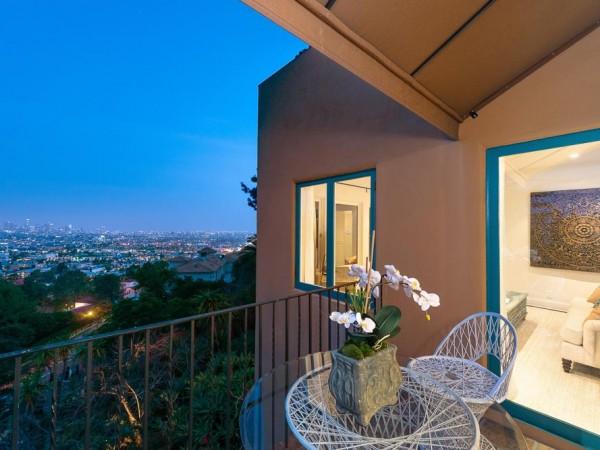 2200 Mountain Oak MED balcony